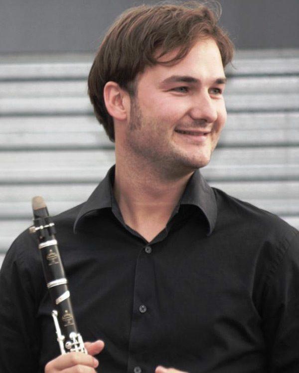 Antonio-Serrano.vertical